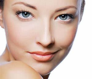 Cómo conseguir una cara más delgada y definida