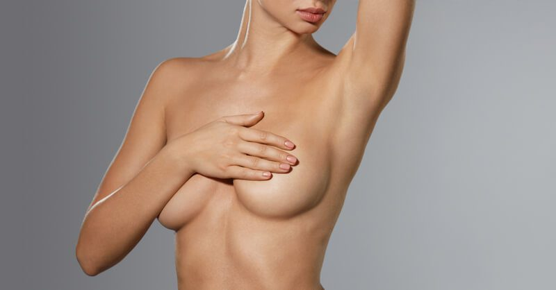 Reducción de pecho por gigantomastia